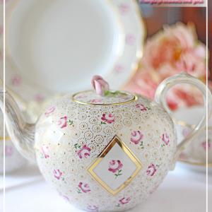 """豪華&Cute♪マイセンのティーセットに可薔な薔薇とセーブルの""""ウズラの目""""<◆生徒様作品集◆>"""