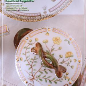 【2】沢山の生徒様の作品でひとつのテーブルを♪西洋の植物画のテーブル♪<◆生徒様作品集◆>