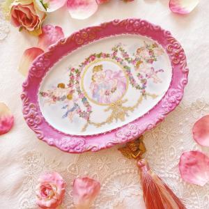 可愛すぎる天使のプレート♪花かごやガーランドはマットゴールド盛りで♪<◆生徒様作品集◆>