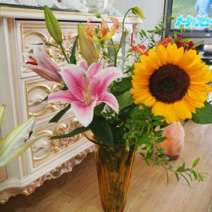 お花、最近おいしかったお菓子色々