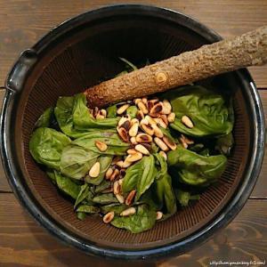 すり鉢で作るジェノバソースでジェノベーゼのパスタ