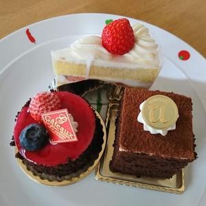 ショートケーキ、カシマージュ、ティラミス/ケーキと窯菓子 ユトリベ