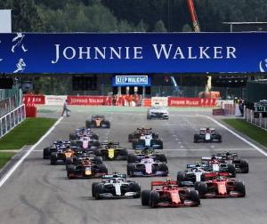 今月末の2021年F1新規則決定に向けて拒否権をチラつかせるフェラーリ