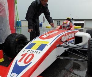 元F1ドライバー野田英樹氏の娘Jujuさん、デンマークF4開幕戦でポール・トゥ・ウィン
