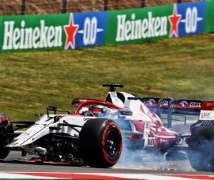 F1ポルトガルGP:チームメイトと接触したライコネン「僕のミス、ステアリング見てた」