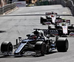 「F1はダウンフォースが大きいのでもっとマシンを信じないといけない」とアルファタウリの角田