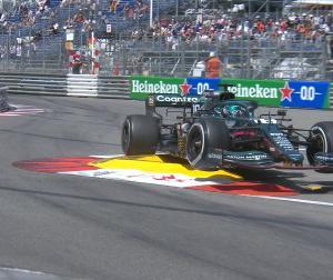 F1モナコGPでバトルシーンがストロールリプレイに切り替わったのを海外でからかってるっぽいな