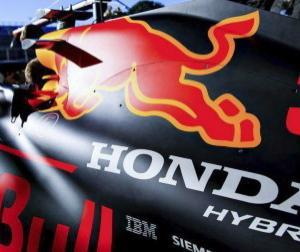 レッドブルのマルコ博士、フランスでホンダの新エンジン(PU)投入という独AMuS誌の報道を否定