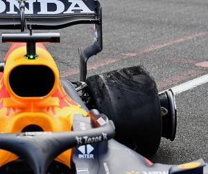 F1アゼルバイジャンGPのタイヤ問題についてピレリはデブリもしくは内圧違反と考えているらしい