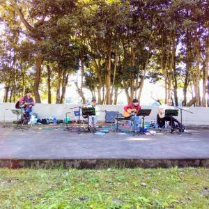 佐鳴湖公園屋外ステージライブなう!