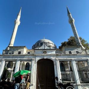 ボスポラス海峡が目前に!トルコ・イスタンブールのモスク ~ベイレルベイ・ジャーミィ~