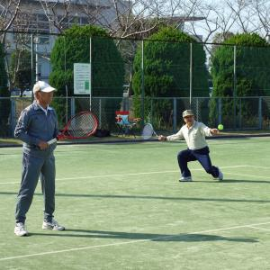 来年15周年を迎えるシニアテニスクラブ