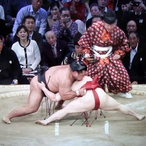 大相撲九州場所 炎鵬を応援
