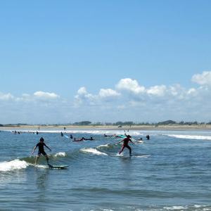 サーファーで賑わう九十九里浜