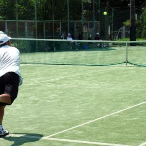 アイスが楽しみの真夏のシニアテニス