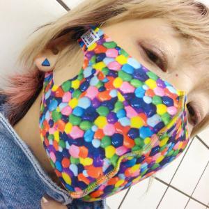 脳外科医でデザイナーまあやさんのマスク