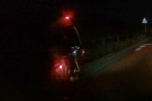 ロードバイクに尾灯を義務づけよ