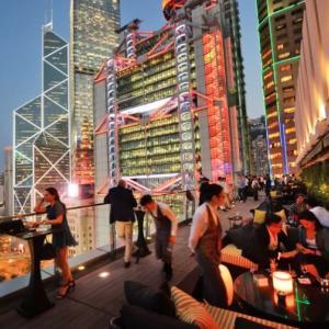 香港ドルへの資金流入が続く、資産運用額も前年比20%増加