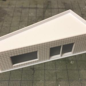 新押入線・左高架下の小さな建物①