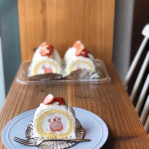 ロールケーキ。