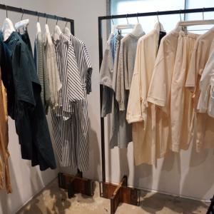 「OTOAA(オトア)」2020春夏展、青砥厚二さん、トラディショナル・コンテンポラリーの服