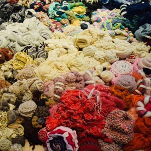 丹治基浩さん、knit all together、ニット愛好家がみんなで一つを作った展覧会