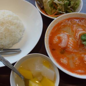"""タイ料理、""""シャー・トムヤムクン・ポーチャーナー""""、上野、アメ横、ビル3階は味で勝負"""