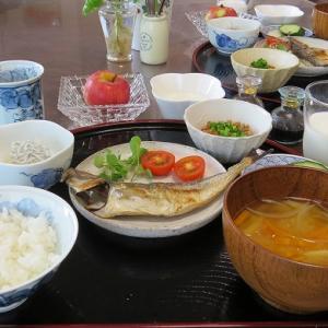 湘南のしらすと鯵の干物で朝ごはん