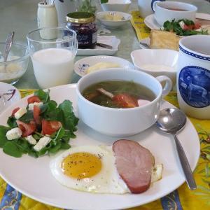 レタスのスープとハムエッグ