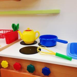 L型キッチンのレイアウトが活かされたキッチン空間~平野レミさんのキッチンより