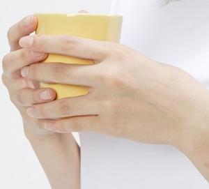 梅雨時季にできてた「手湿疹」の原因