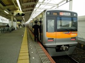 カラー変更進行中の京成3050形