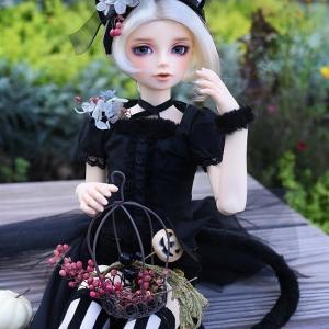 黒チェシャ猫セシルとハロウィンの庭