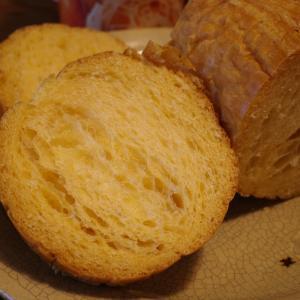 台風の中で非常食の試食 昔は乾パン 今は缶詰のブリオッシュ