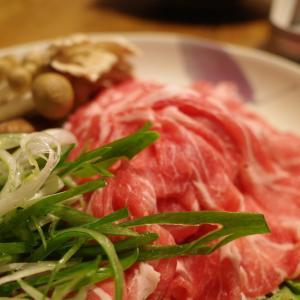 茸と豚、葱と水菜の鍋 サッパリと昆布出汁で