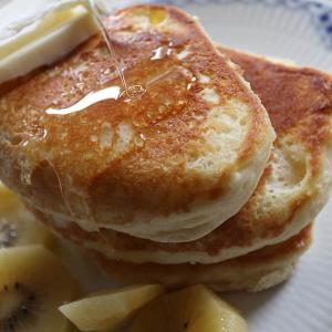 【小麦粉でホットケーキの作り方】メレンゲなしでフワフワのコツ