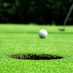葬儀ナレーション例文「ゴルフ」「遺影」「家族旅行」