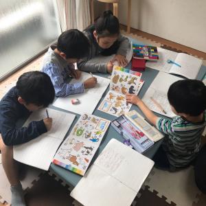 英会話キッズ みんな助け合って教えあって素晴らしい! 松戸
