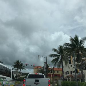 グアムの天気 10月14日 正午 タモンの真ん中からジョー速
