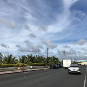 グアムの天気 10月14日 午後グアム空港出国ターミナルの方からジョー速