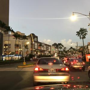 グアムの天気 11月19日 夕方 タモンの中心からジョー速
