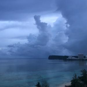 グアムの天気 7月26日 ブルーなタモン sashi from Guam