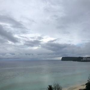 グアムの天気 小雨 時々曇り