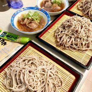 お昼は蕎麦( ´ ▽ ` )