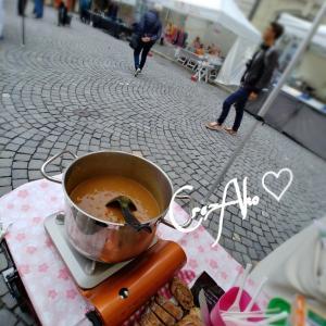 (^ρ^)ローザンヌマルシェ出店中にカレーを食す