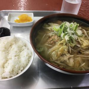 久しぶりの市場食堂の朝飯は野菜たっぷりのタンメン