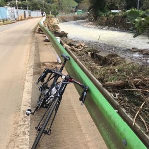 台風19号の後の陣馬街道