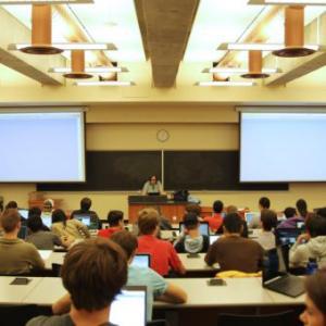 クイーンズランド州の大学が7月から対面講義を再開します!