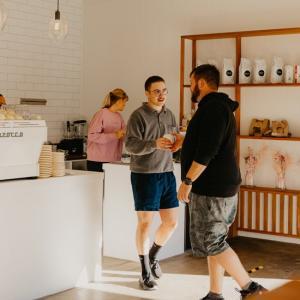 バーレイヘッズに新しくオープンした緑豊かなカフェ「Common Ground」