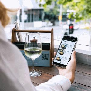 QRコードで外食をより安全に楽にする「モバイル・オーダー・タブ」